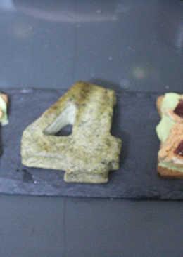 Tostadas con cabracho y tortilla de algas