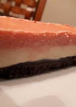 Torta helada doble mousse de chocolate blanco y frutilla