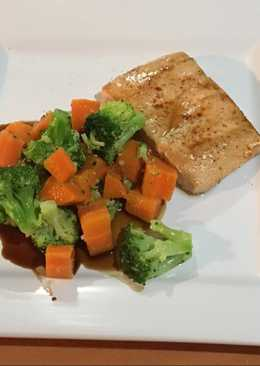 Filete de Salmón con vegetales al vapor