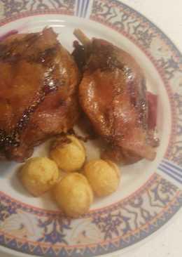 Confit de pato con reducción de oprto y patatas confitadas en la grasa del pato