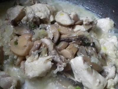 Pollo al champigñon, simple fácil y rico