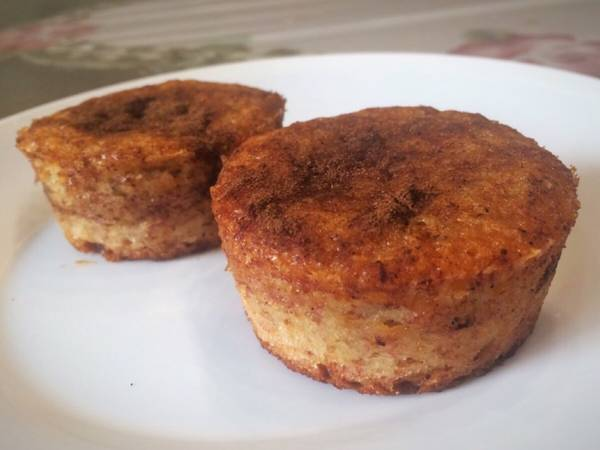 Muffins de banana o budín sin huevo esponjosos. Rápido y veganos