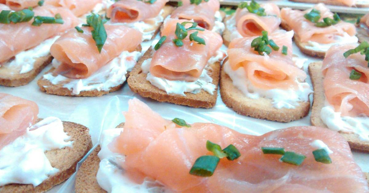 Canap s de salm n ahumado receta de norali cookpad for Canape de salmon ahumado