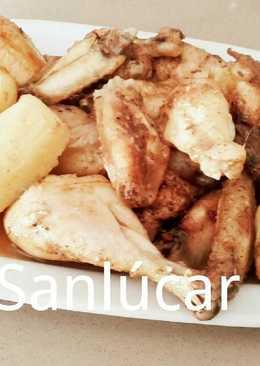 Pollo al horno campero con manzanas, pasas y ciruelas