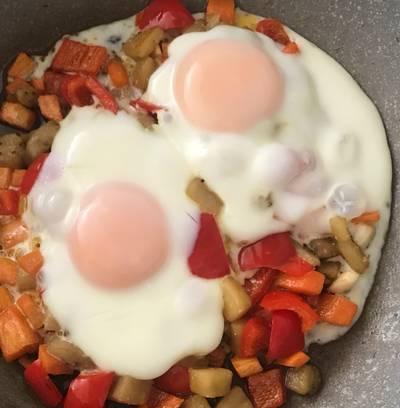 Huevos escalfados con verduras
