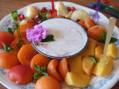Fondue fría de frutas y salsa de ricota