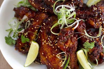 Alitas de pollo picantes (estilo Thai)