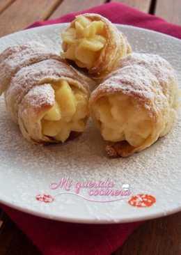 Pastelitos de hojaldre con crema de vainilla