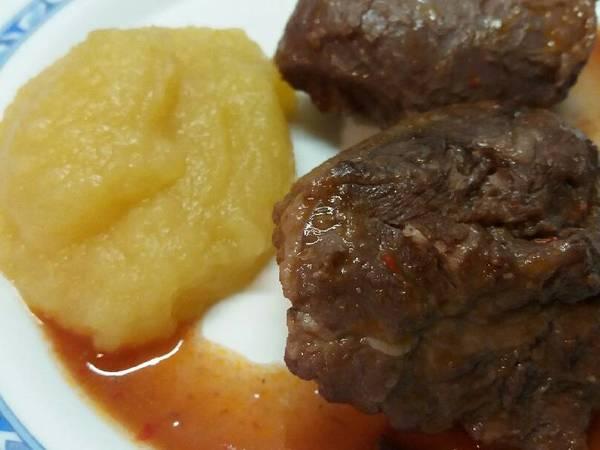Carrilleras de cerdo con salsa de Rioja