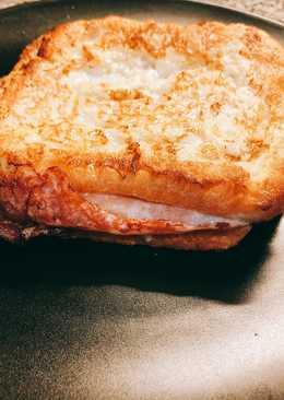 Sándwich con huevo y leche