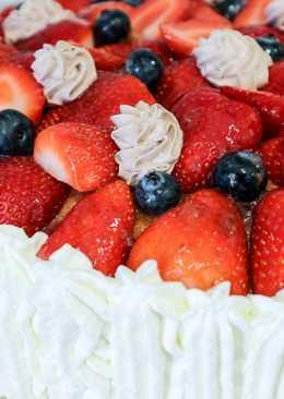 Tarta de fresas con nata y trufa