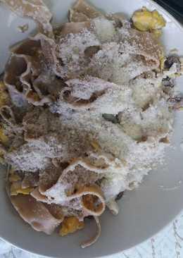 Pasta de setas con champiñones y huevo