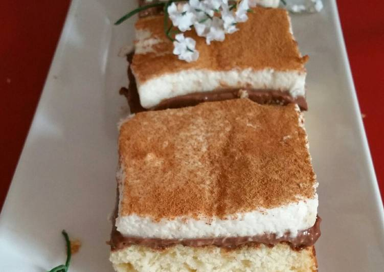 Tarta de bizcocho con crema de chocolate y mousse de horchata