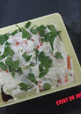 Ensalada de surimi y patatas cocidas