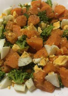 Batata, huevo y brócoli hervidos