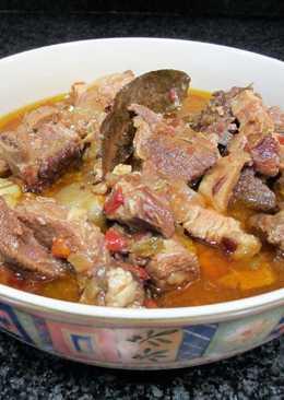 Zarzuela de carne de ternera, panceta y costillas de cerdo al coñac