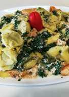 Tortellini de acelgas y quesos con pollo