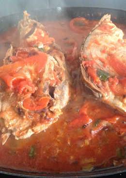 Atún con tomate y morrón