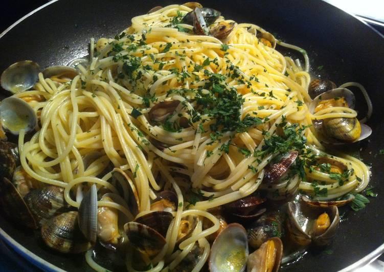 Espaguetis con almejas receta de italiamiamor cookpad - Espaguetis con almejas ...