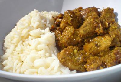 Pavo vindaloo {un plato indio de Goa}