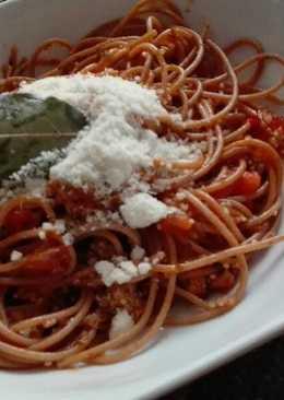 Pasta integral con quinoa y boloñesa de seitán