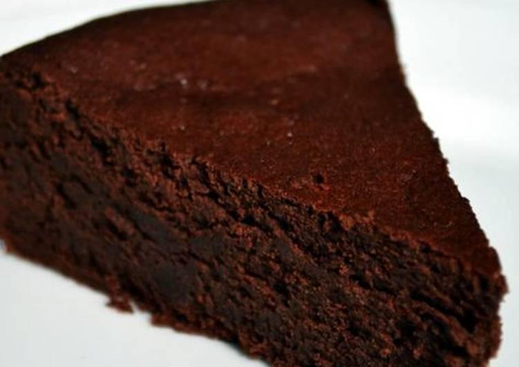 Tarta de chocolate apta para diabéticos y sin harina