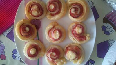 Rosas de bacon y queso