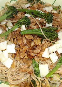 Pasta integral con bimi y queso Haloumi