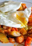 Pisto y huevo frito