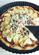 Pizza casera con calabacín y champiñones