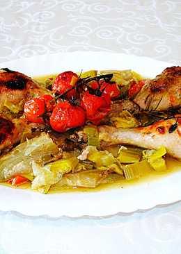 Jamoncitos de pollo con puerro ytomate cherry al horno