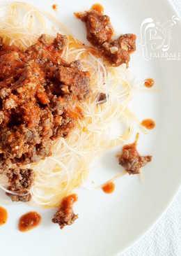 Vermicelli de arroz y carne en salsa napolitana (sin gluten)