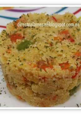 Cuscús de coliflor con verduras y pollo