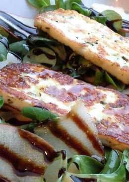Ensalada de canónigos con queso Halloumi