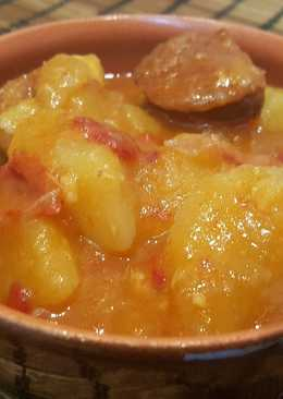 Patatas cocidas con chorizo