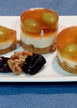 Tarta de queso y chocolate blanco con uvas y gelatina de moscatel