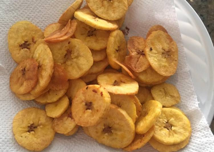 Tajaditas de plátano verde