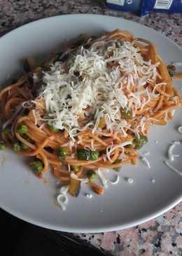Espaguetis integrales con verdura y queso