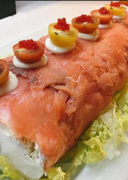 Rollo de salmón con philadelphia