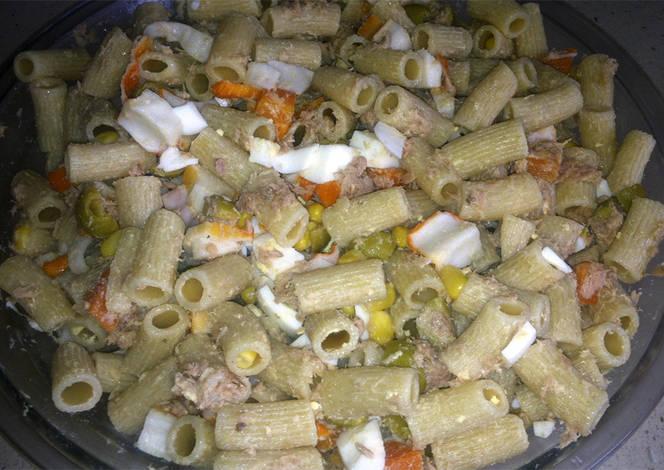 Ensalada de pasta integral receta de cocinarparacuatro for Ensalada de pasta integral