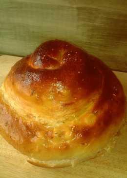 Pan briochecon queso, ligeramente picante{en panificadora}