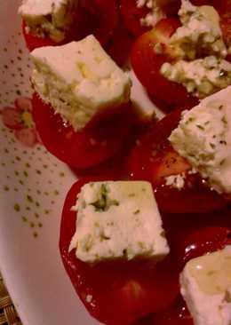 Pinchos de queso azul y tomates cherry