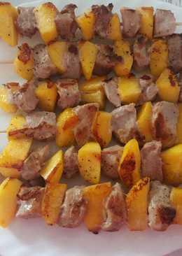 Brochetas de solomillo de cerdo y nectarina