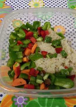 Sémola de Arroz con Quinoa, Pimientos, Zanahoria y Pasas