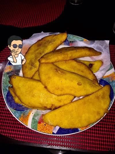 Empanadas de maíz rellenas