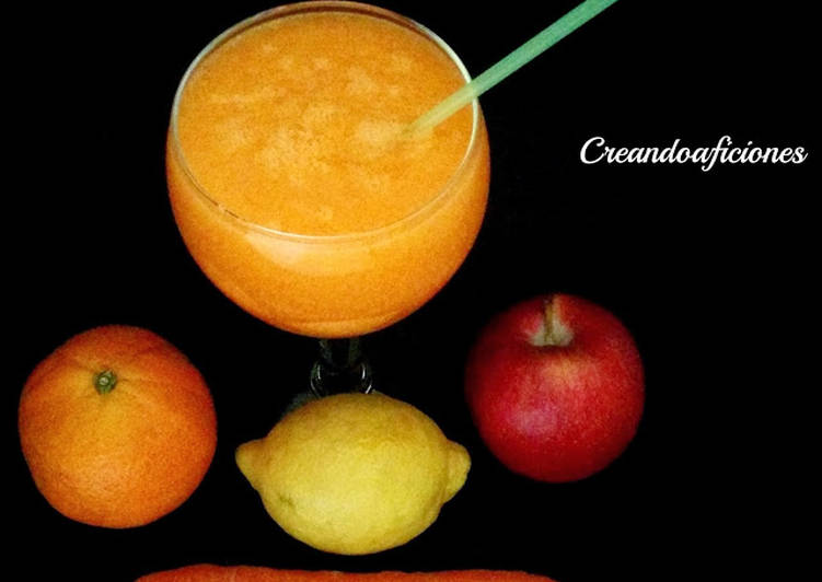 Smoothie de zanahoria, naranja, manzana y limón