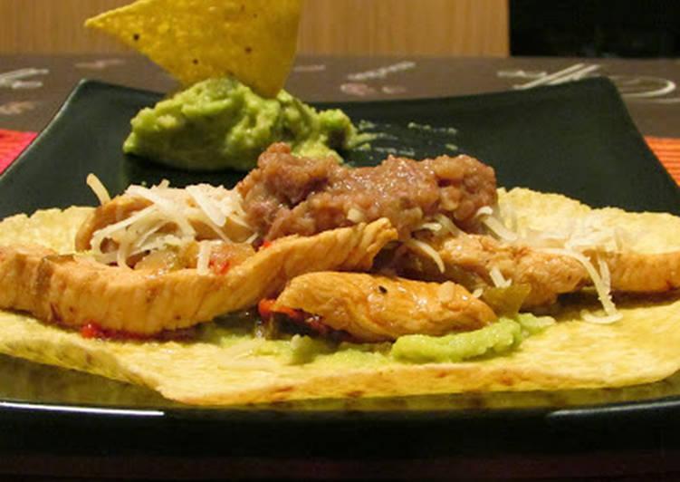 Fajitas de pollo con guacamole