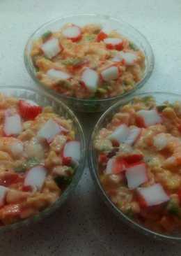 Ensaladilla de surimi con piña para tupper