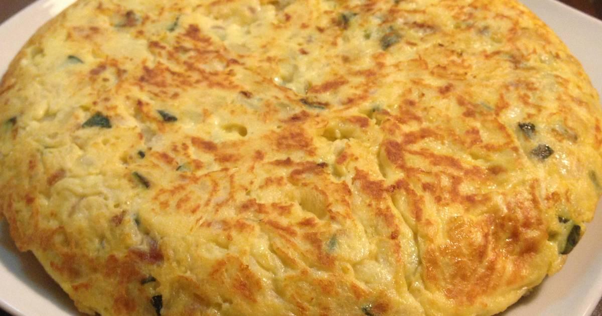 Tortilla de patata calabac n y cebolla roja receta de - Tortilla de calabacin y cebolla ...