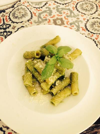 Pasta con pesto de pistachos